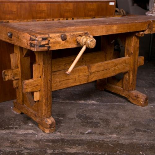Tavoli vecchi da restaurare elegant recuperare un vecchio tavolo con restauro mobili fai da te - Tavolo da falegname usato ...