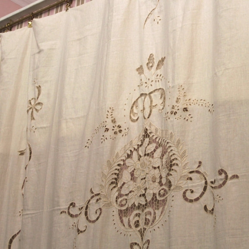 Antique chairs design - Tenda Ricami Ad Intaglio