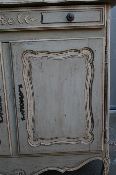 Come fare lo stile decap antichizzato sui mobili laccati - Specchio antichizzato ...